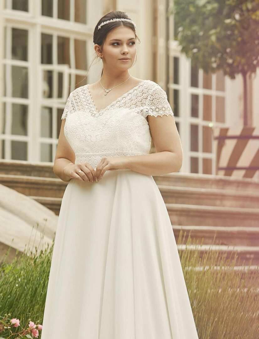 brautkleid-margaret-plus-size-detail-bella-sposa