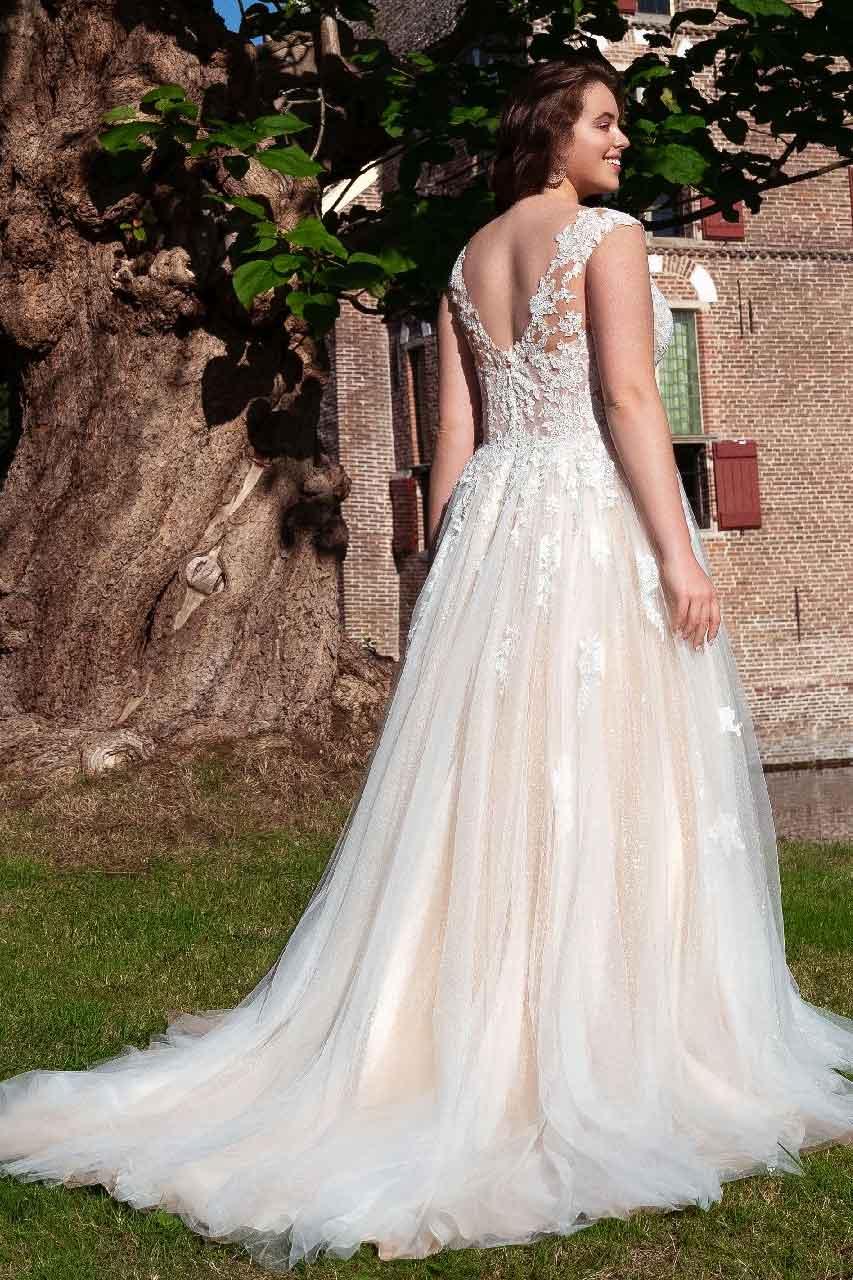 Hochzeitskleid-30053-back-Bella-Sposa