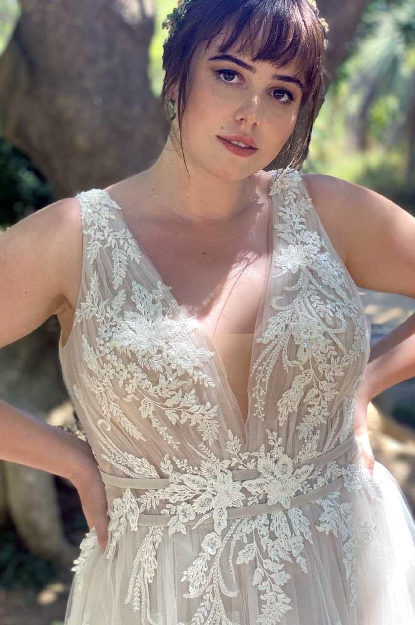 Hochzeitskleid-30070W-1-Bella-Sposa