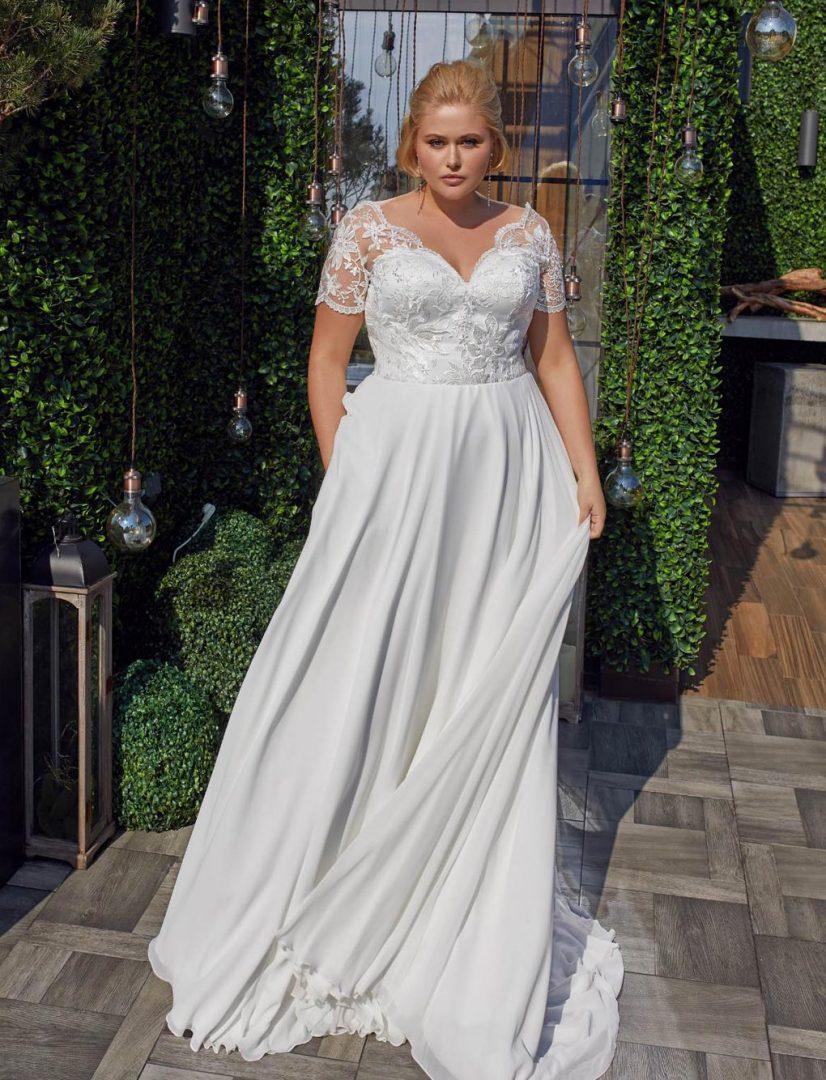 Hochzeitskleid-plus-size-Demi-1-Bella-Sposa